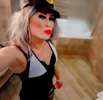Сексуальная негритянка ТРАНССЕКСУАЛКА, закажите онлайн